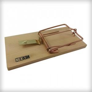 Classic Wooden Rat Trap - Image 1