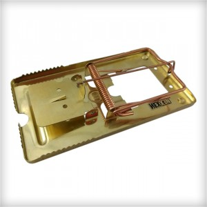Classic Metal Rat Trap (brass coated) - Image 1